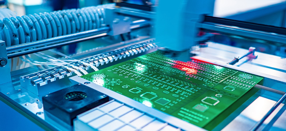 production-automation-robot-repairs-printed-circuit-board-pcb-electronics-ebook